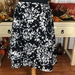 Apostrophe| women's Plus Size mid skirt